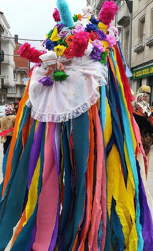 volantes y puchos en los carnavales de Galicia